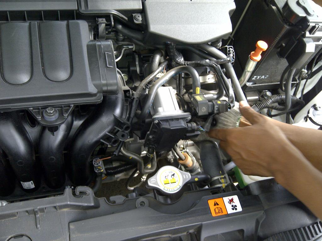 Pasang di Mazda 2(copy)